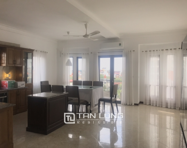 Triplex apartment for rent on Dang Thai Mai street, Tay Ho district 3