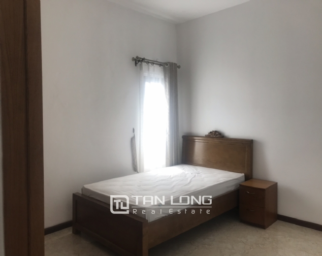 Triplex apartment for rent on Dang Thai Mai street, Tay Ho district 7