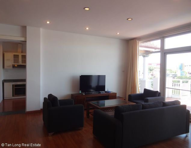 Truc Bach Lakeside apartment for rent in Tran Vu street, Ba Dinh district 5
