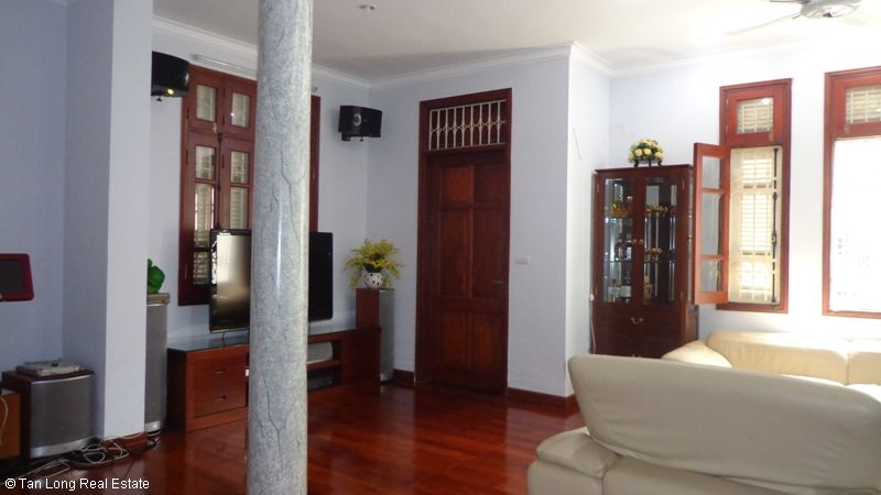 Unfurnished modern house to lease on Thuy Khue, Tay Ho Dict. 6