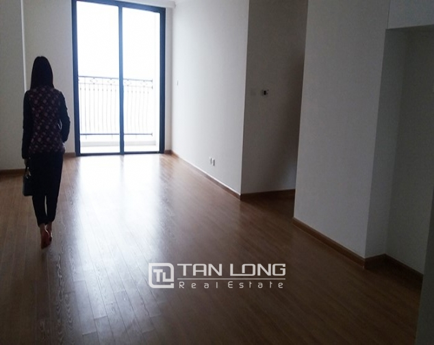 Vacant 3 bedroom apartment for rent in R6, Vinhomes Royal City, Hanoi 3