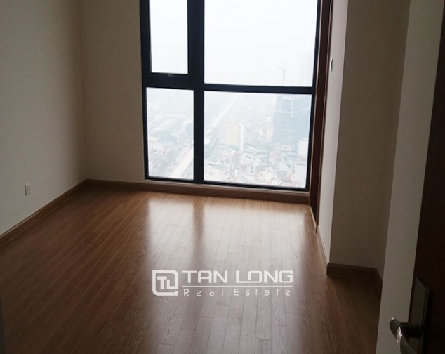 Vacant 3 bedroom apartment for rent in R6, Vinhomes Royal City, Hanoi 4