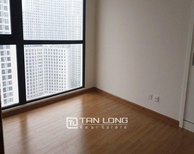Vacant 3 bedroom apartment for rent in R6, Vinhomes Royal City, Hanoi 5
