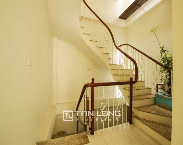 Very modern and cozy 2 bedroom house for rent in Long Bien district 3