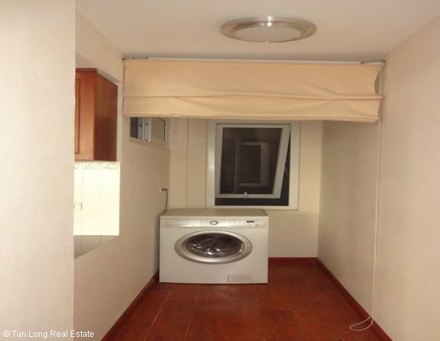 Very nice Serviced apartment for rent in Au Co street, Tay Ho district. 2
