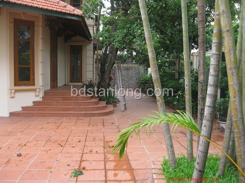 Villa for rent in Tay Ho, Ha Noi 1