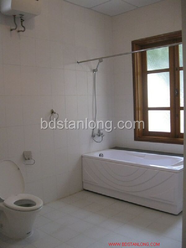 Villa for rent in Tay Ho, Ha Noi 4