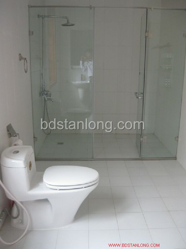 Villa for rent in Tay Ho, Ha Noi 5