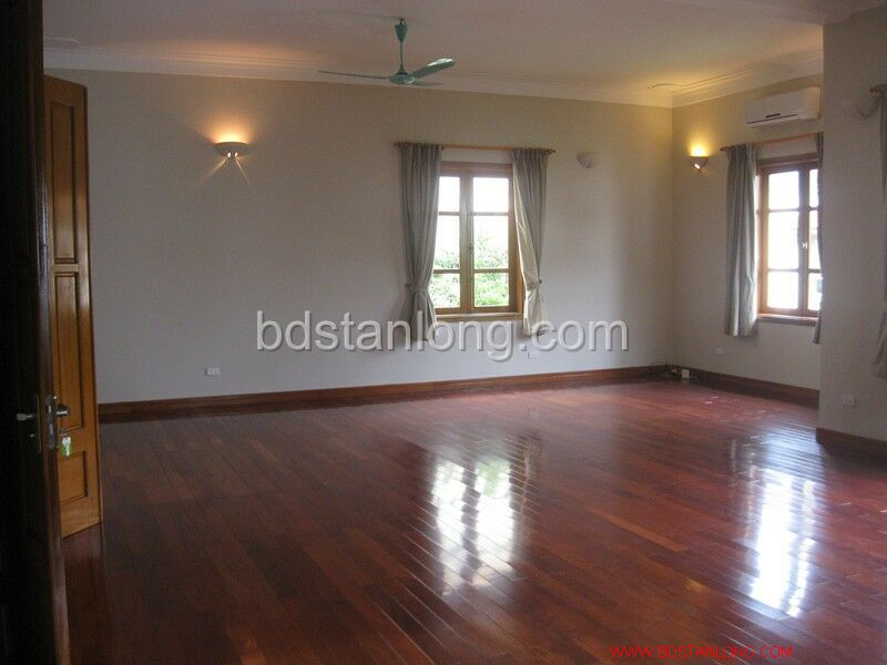 Villa for rent in Tay Ho, Ha Noi 7
