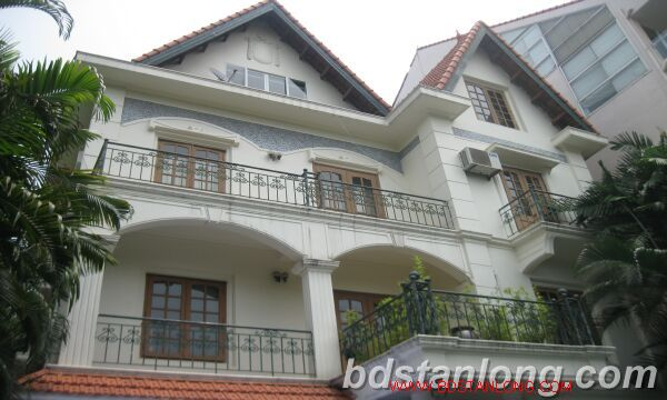 Villa for rent in Tay Ho Westlake Hanoi, swimming pool 1