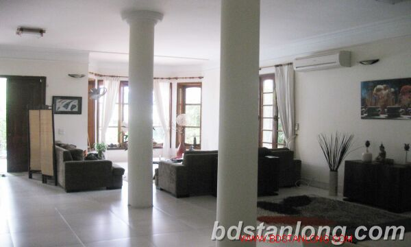 Villa for rent in Tay Ho Westlake Hanoi, swimming pool 4