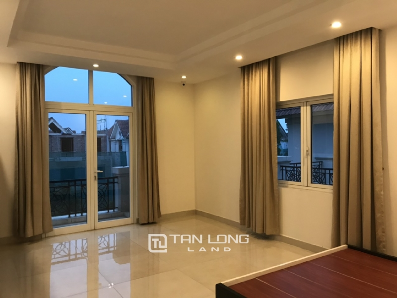 Villa For Rent In Vinhomes Riverside Fully Furnished, Have Basement 6