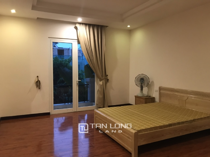 Villa For Rent In Vinhomes Riverside Fully Furnished, Have Basement 17