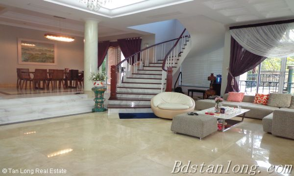 Villa for rent in Vuon Dao, Tay Ho District. 7
