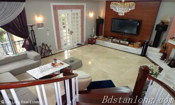 Villa for rent in Vuon Dao, Tay Ho District. 8