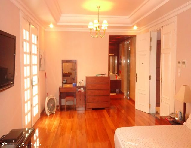 Villa for rent in Vuon Dao, Tay Ho District. 2
