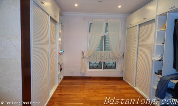 Villa for rent in Vuon Dao, Tay Ho District. 3