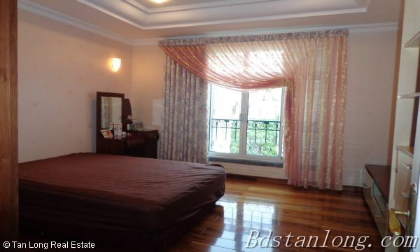 Villa for rent in Vuon Dao, Tay Ho District. 6