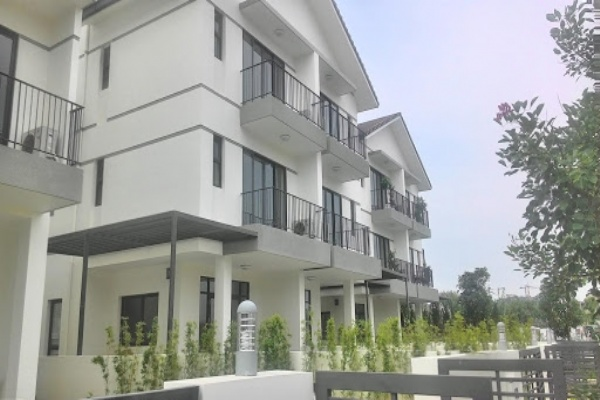 Villa for rent with 250m2 full of luxury furniture, Vinhomes Thang Long Lake