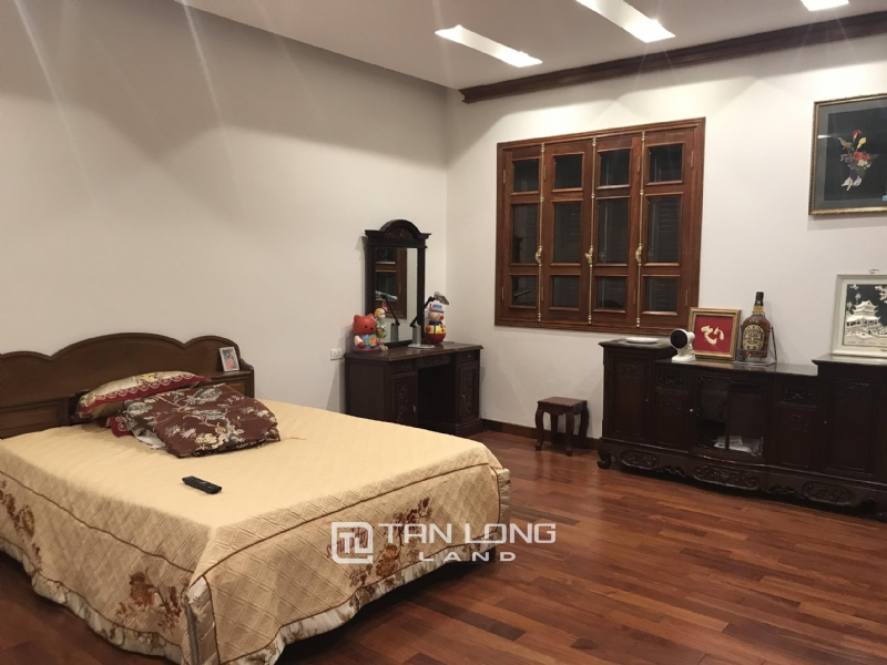 VILLA FOR RENT WITH HIGH CLASS FURNISHED  - VINHOMES RIVERSIDE, LONG BIEN DISTRICT 1