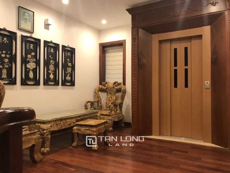 VILLA FOR RENT WITH HIGH CLASS FURNISHED  - VINHOMES RIVERSIDE, LONG BIEN DISTRICT 3