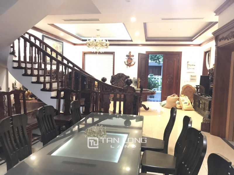 VILLA FOR RENT WITH HIGH CLASS FURNISHED  - VINHOMES RIVERSIDE, LONG BIEN DISTRICT 7