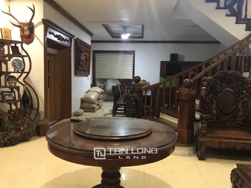 VILLA FOR RENT WITH HIGH CLASS FURNISHED  - VINHOMES RIVERSIDE, LONG BIEN DISTRICT 8