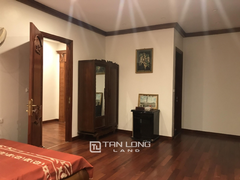 VILLA FOR RENT WITH HIGH CLASS FURNISHED  - VINHOMES RIVERSIDE, LONG BIEN DISTRICT 10