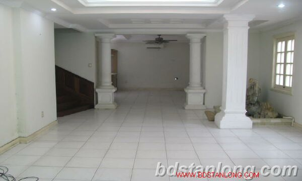 Villa in Au Co street, Tay Ho district for rent 5