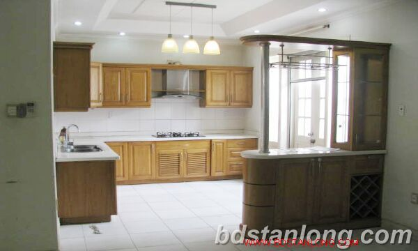 Villa in Au Co street, Tay Ho district for rent 6