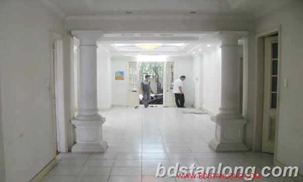 Villa in Au Co street, Tay Ho district for rent 7