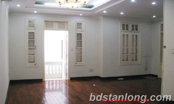 Villa in Au Co street, Tay Ho district for rent 8