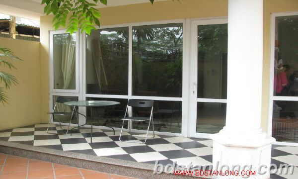 Villa in Dang Thai Mai street, Tay Ho district for rent 3