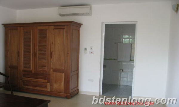 Villa in Dang Thai Mai street, Tay Ho district for rent 2