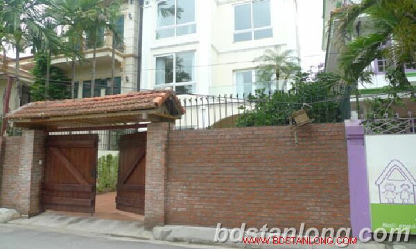 Villa in Tay Ho road, Tay Ho district for rent. 1