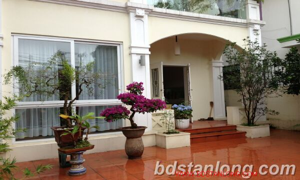 Villa in Tay Ho road, Tay Ho district for rent. 3