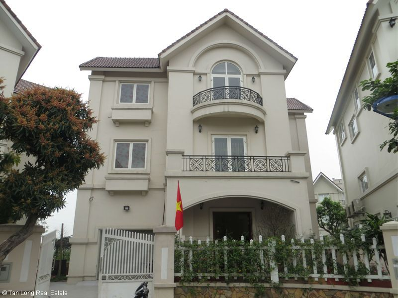 Villa on Hoa Lan road in Vinhomes Riverside for sale, Long Biên district 1