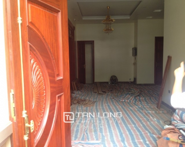 Villa with 4 storeys for rent in Cau Giay, near Cau Giay park 2
