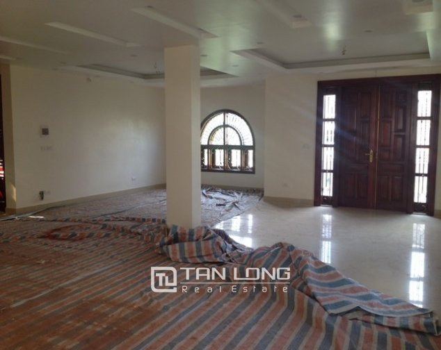 Villa with 4 storeys for rent in Cau Giay, near Cau Giay park 10