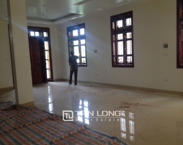 Villa with 4 storeys for rent in Cau Giay, near Cau Giay park 7