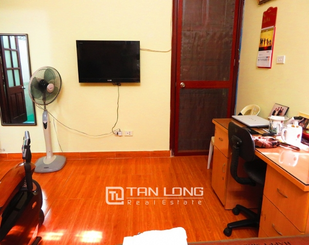 Villa with big garden for rent near Huu Tiep market, Ngoc Ha, Ba Dinh district 8