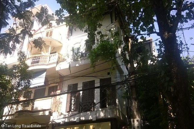 Villa with garden for sale in Hang Bun str, Ba Dinh dist, Hanoi 1