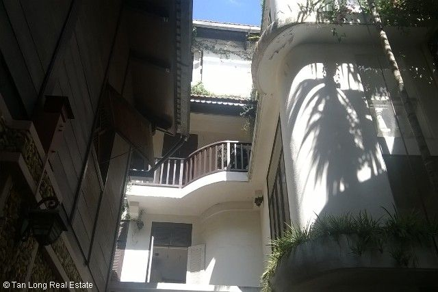 Villa with garden for sale in Hang Bun str, Ba Dinh dist, Hanoi 2