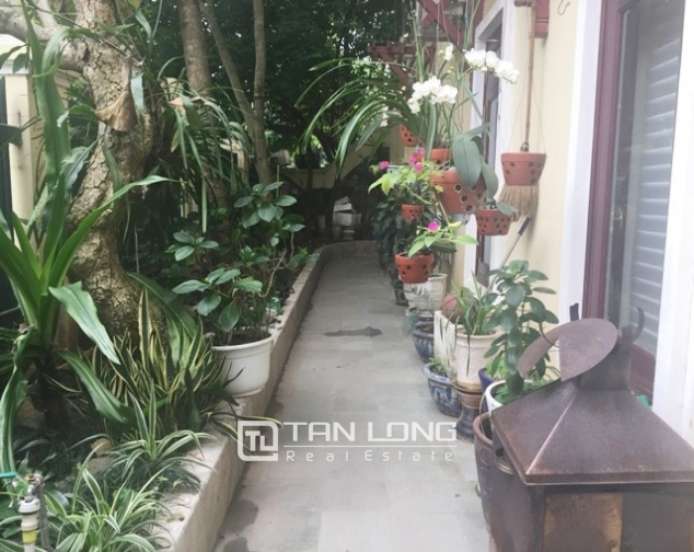 Villa with large garden for sale in D5 Ciputra, Bac Tu Liem dist, Hanoi 1