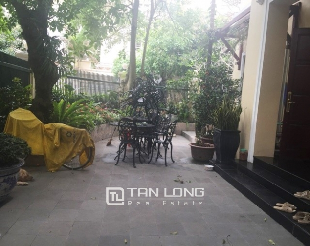 Villa with large garden for sale in D5 Ciputra, Bac Tu Liem dist, Hanoi 3