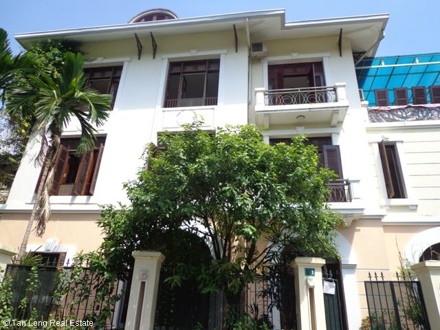 Villa with large yard in D2 Ciputra, Tay Ho dist for rent 1