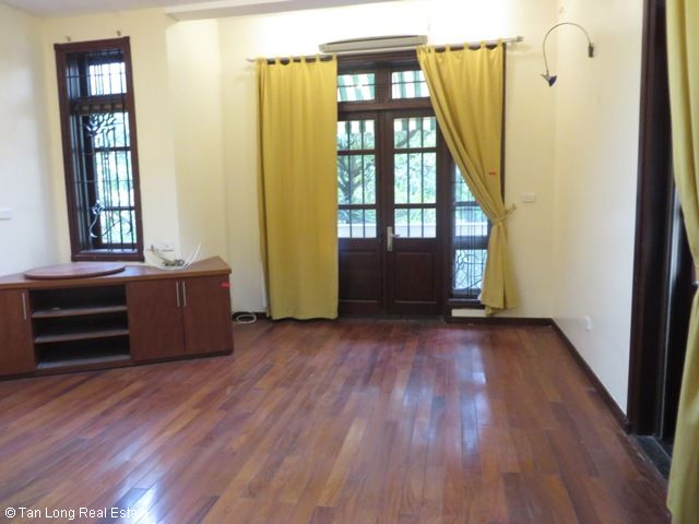 Villa with large yard in D2 Ciputra, Tay Ho dist for rent 7