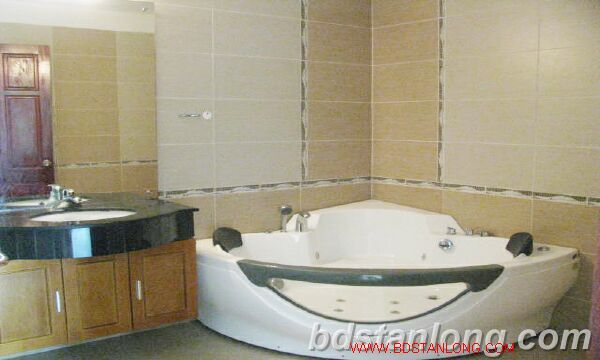Villa with swimming pool for rent in Tay Ho district 10