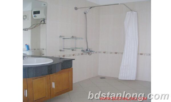 Villa with swimming pool for rent in Tay Ho district 2
