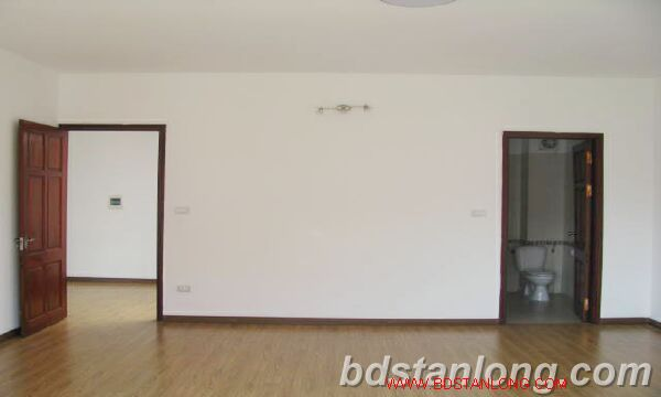 Villa with swimming pool for rent in Tay Ho district 4